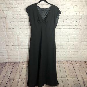 Jones Wear Dress. Black dress w/ cap sleeves